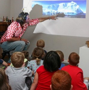 kids_watch-antarctica